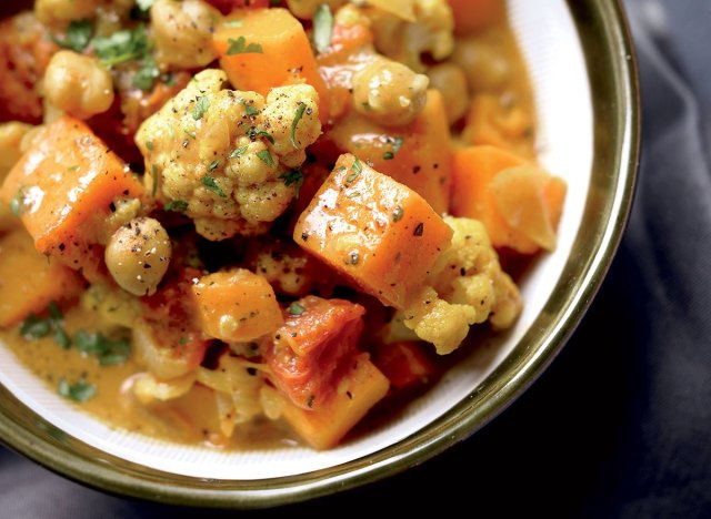 Vegetarian curry cauliflower with butternut squash