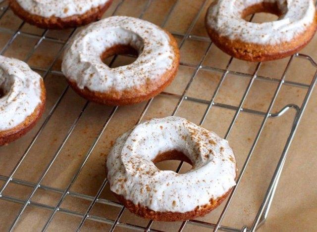 Cinnamon Chai Baked Red Lentil Doughnuts