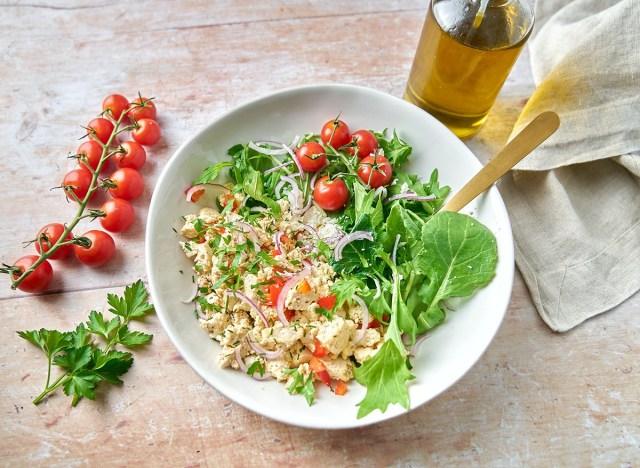 mediterranean tofu veggiescramble
