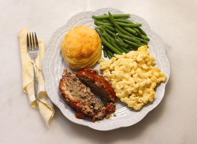 Plate of Cracker Barrel copycat foods.