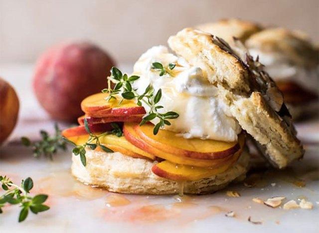 peach thyme shortcake