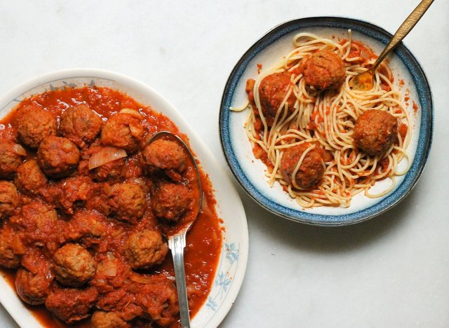 Crock pot Italian meatballs with spaghetti