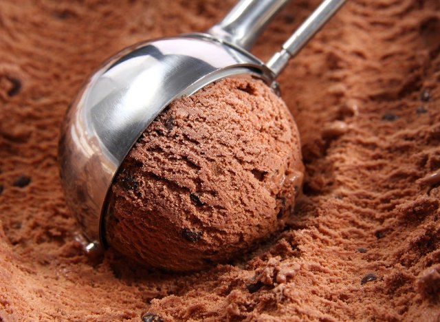 Chooclate-ice-cream-scoop