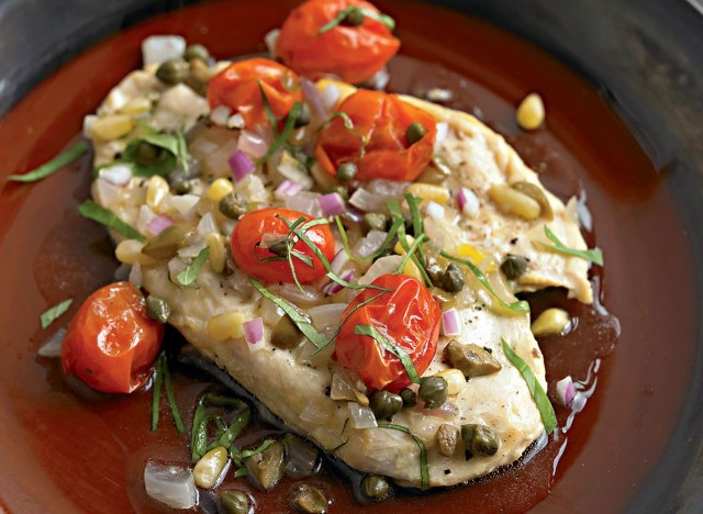 Paleo chicken with tomato, olives, and capers