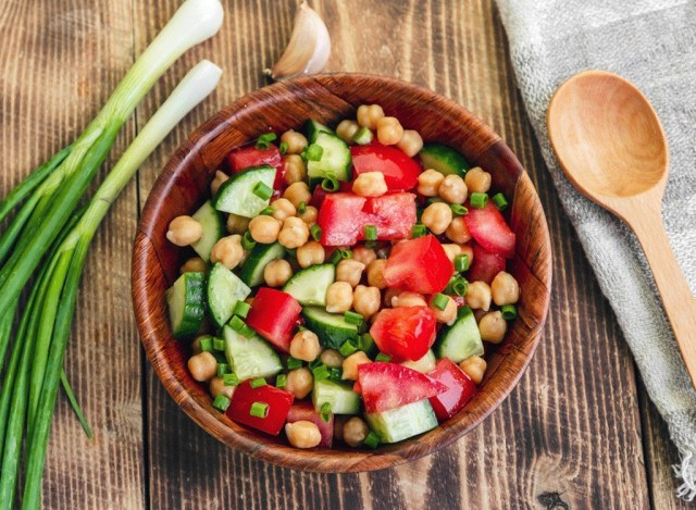salad with tomatoes cucumbers and chickpeas