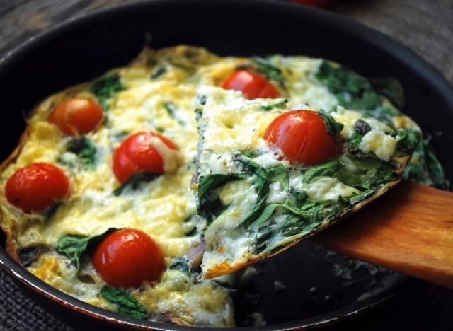 spinach egg tomato scramble