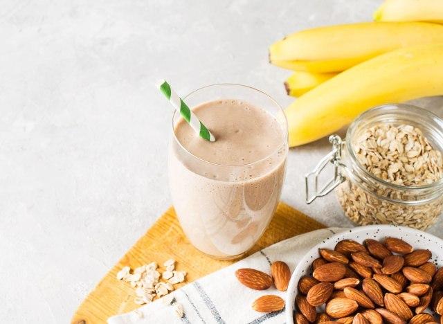 Banana almond oat cinnamon smoothie protein shake